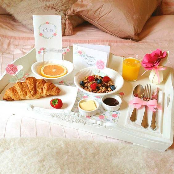 Breakfast in bed for mom