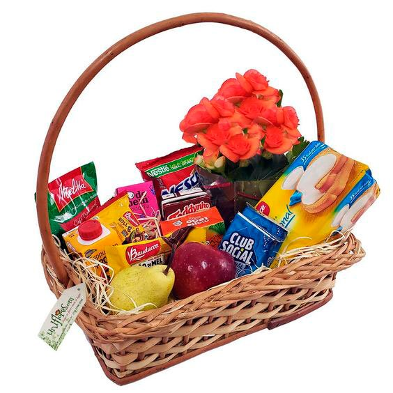 Simple breakfast basket for Mother's Day