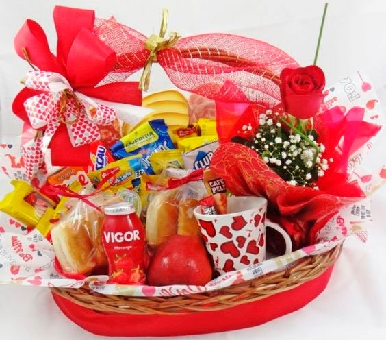 Breakfast basket for your love