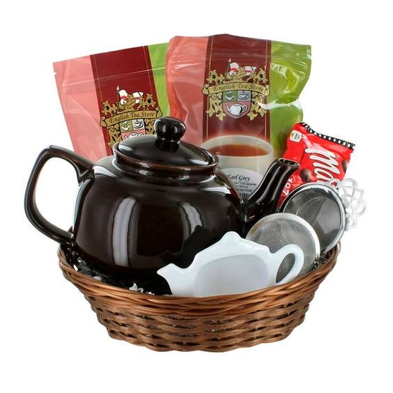 Basket with tea kit for mom
