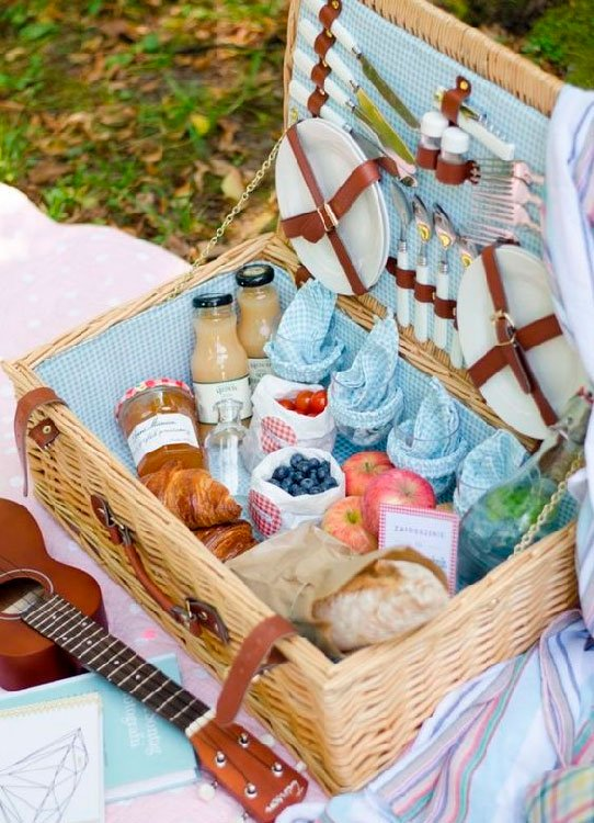 Picnic Basket for Mother's Day