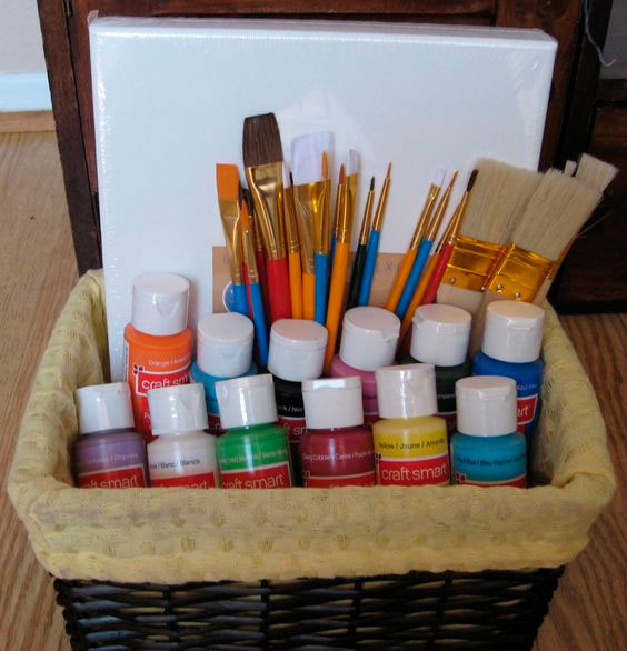 Basket with painting kit for mom