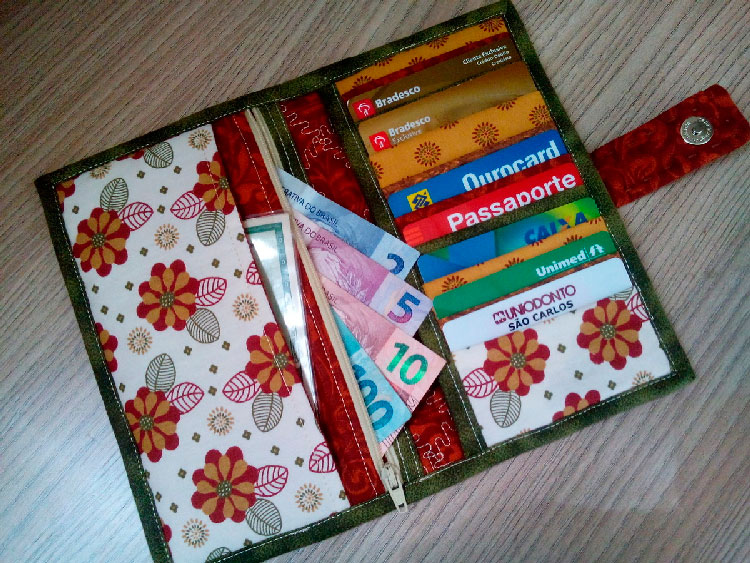 Patchwork wallet for mom