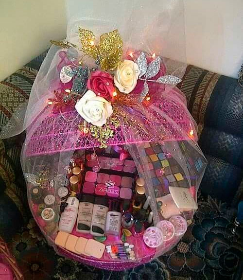 Makeup basket for Mother's Day