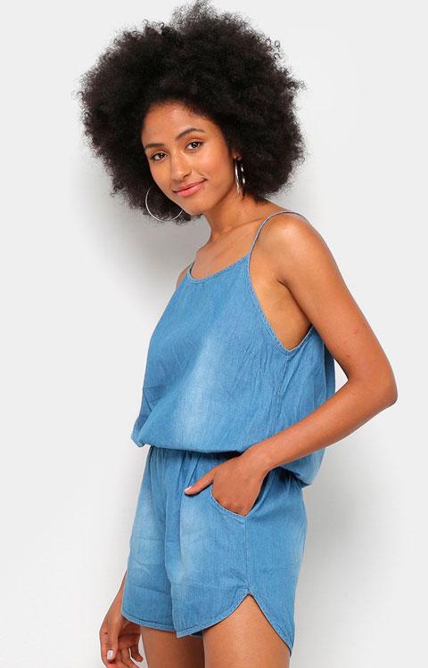 Denim overalls to make your girlfriend very fashion