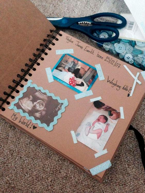 Build a family album for your mom
