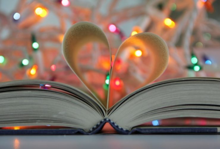 1628791675 25 gift ideas for those who love to read