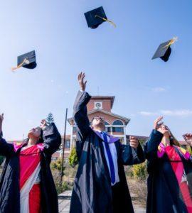 1630608204 20 gift ideas for graduates